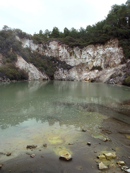 Small sulphur springs